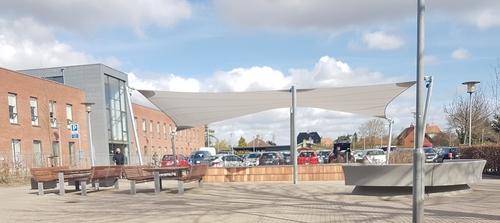 Scenen på Tårnby Hovedbiblioteks forplads